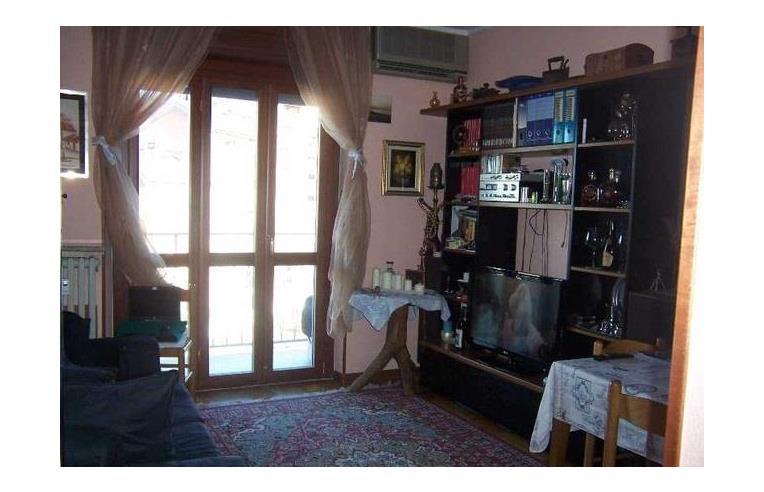 Privato affitta appartamento bilocale arredato al primo for Appartamenti arredati in affitto a catania
