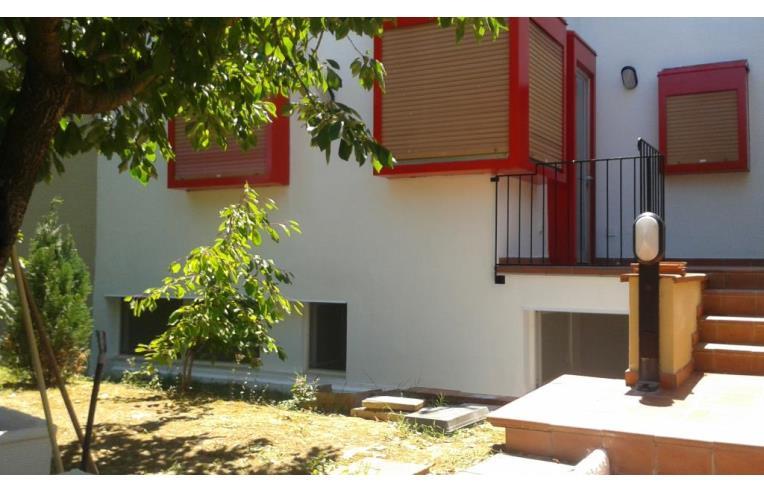 Privato vende villetta a schiera appartamento casa a for Piani di casa con guest house annessa