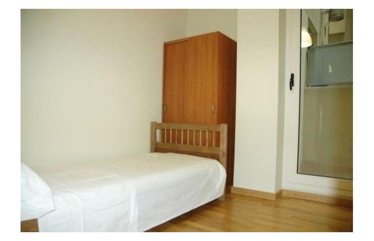 Appartamento 3 Camere Da Letto Milano : Privato affitta stanza posto letto affitto appartamento