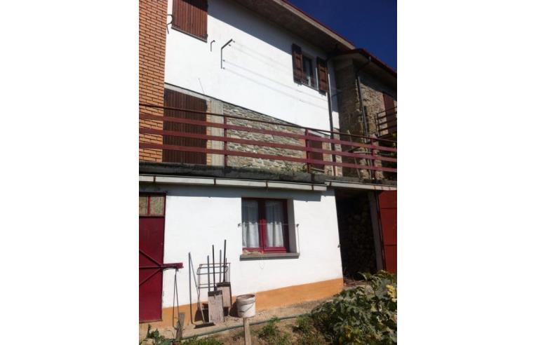 Privato vende casa indipendente casa indipendente fuori for Piani casa 3 camere da letto e garage doppio