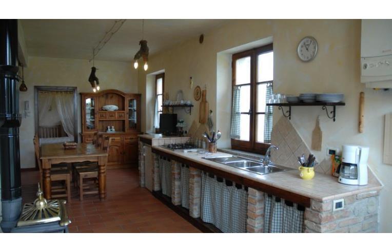 Privato affitta rustico casale appartamenti in porzioni for Affitto rustico della cabina