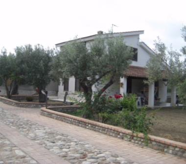 Case in affitto da privati davoli for Affitto casa foggia arredato privati