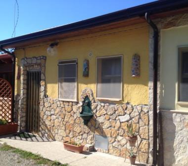 Privato affitta casa vacanze casetta indipendente 4 posti for Case in vendita privati
